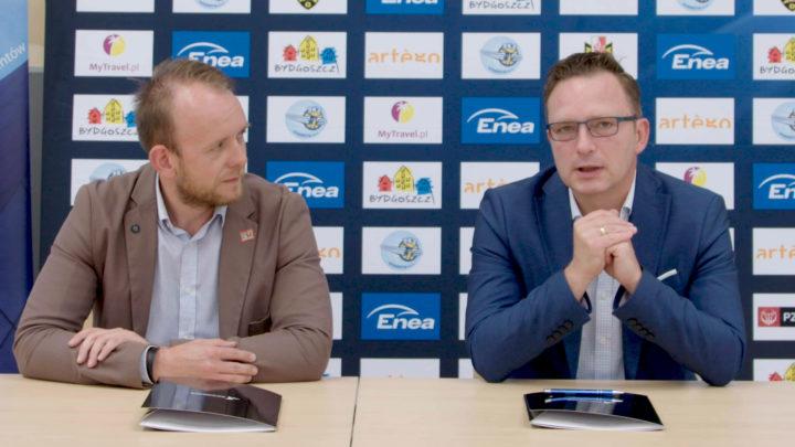 Bartłomiej Dzedzej Prezes Enea Astoria Bydgoszcz podpisuje umowę z MultiSportLive