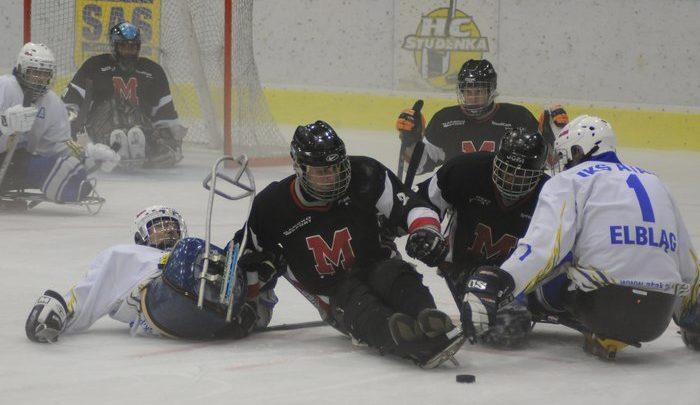 Hokej na sledżach – Para ice hockey.